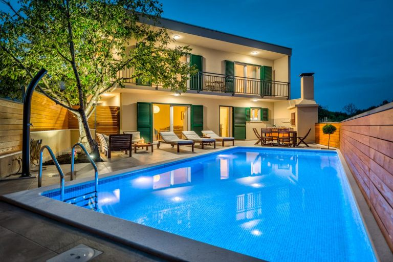Villa - property & rental management